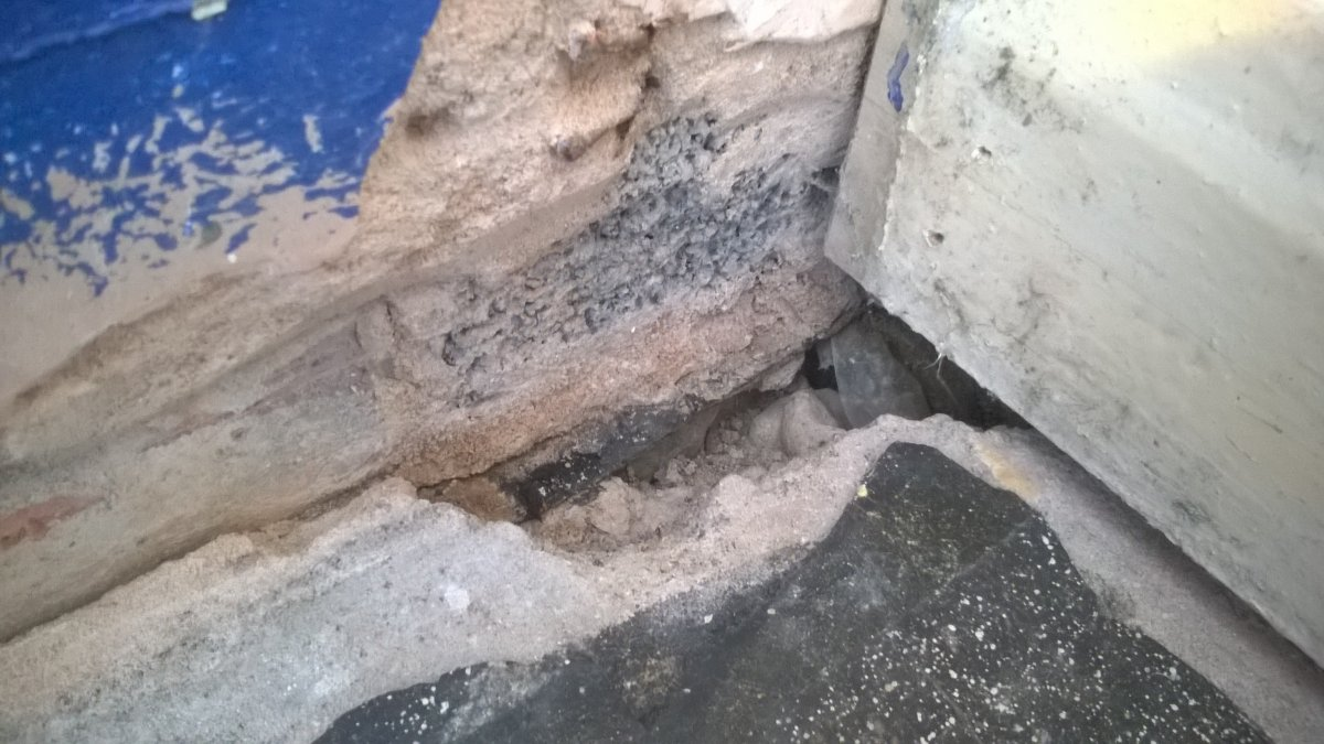 Repairing Hole In Concrete Floor Damp Issues Diynot Forums