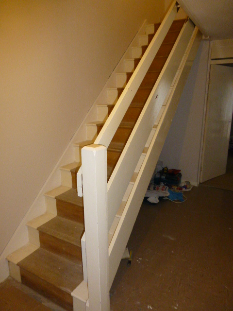 1 Bottom Newel And Stairs