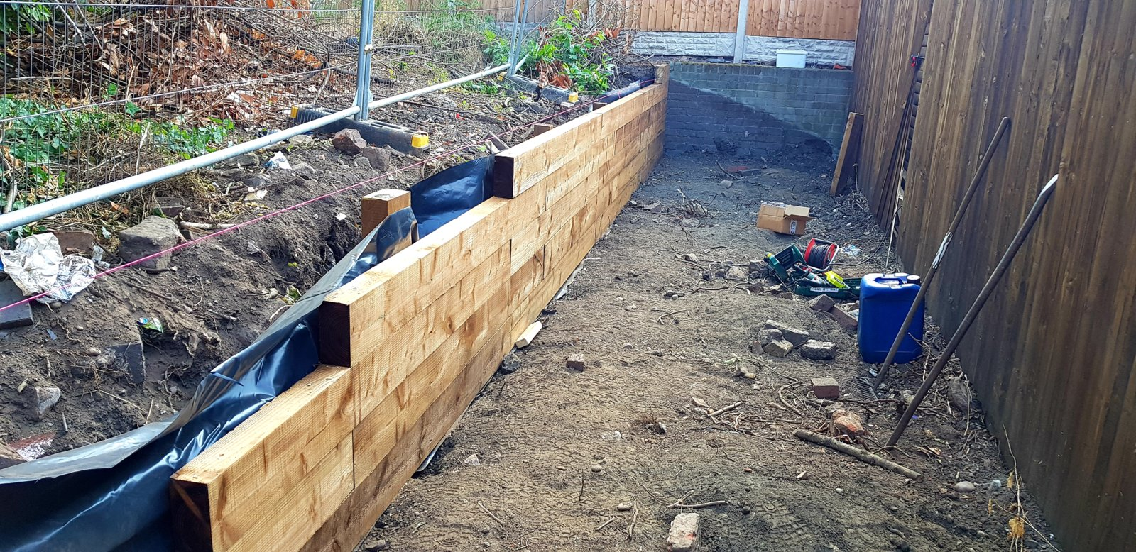 Sleeper Retaining Wall And Fence Help Diynot Forums