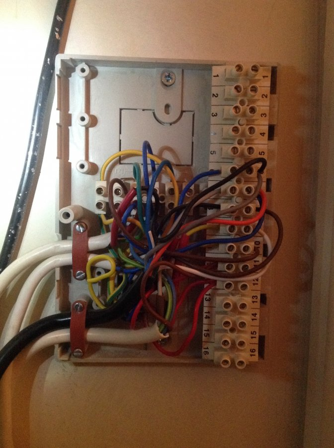 Wiring centre not as per Y plan diagram DIYnot Forums