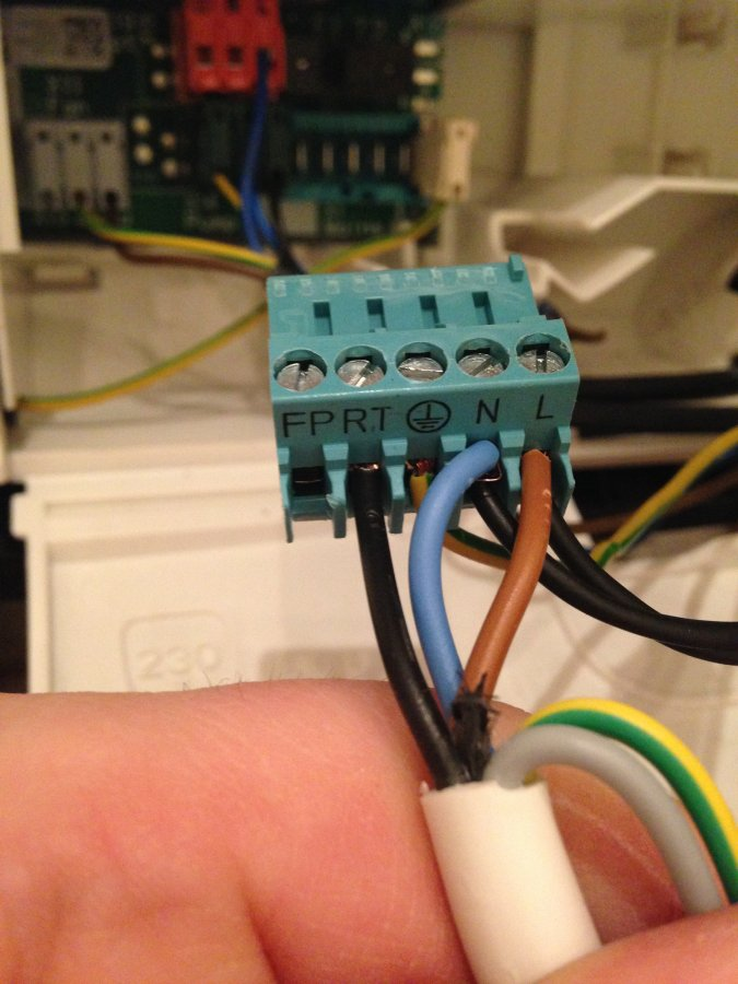 Nest Thermostat Fitting On Easicom 28  Glow Worm