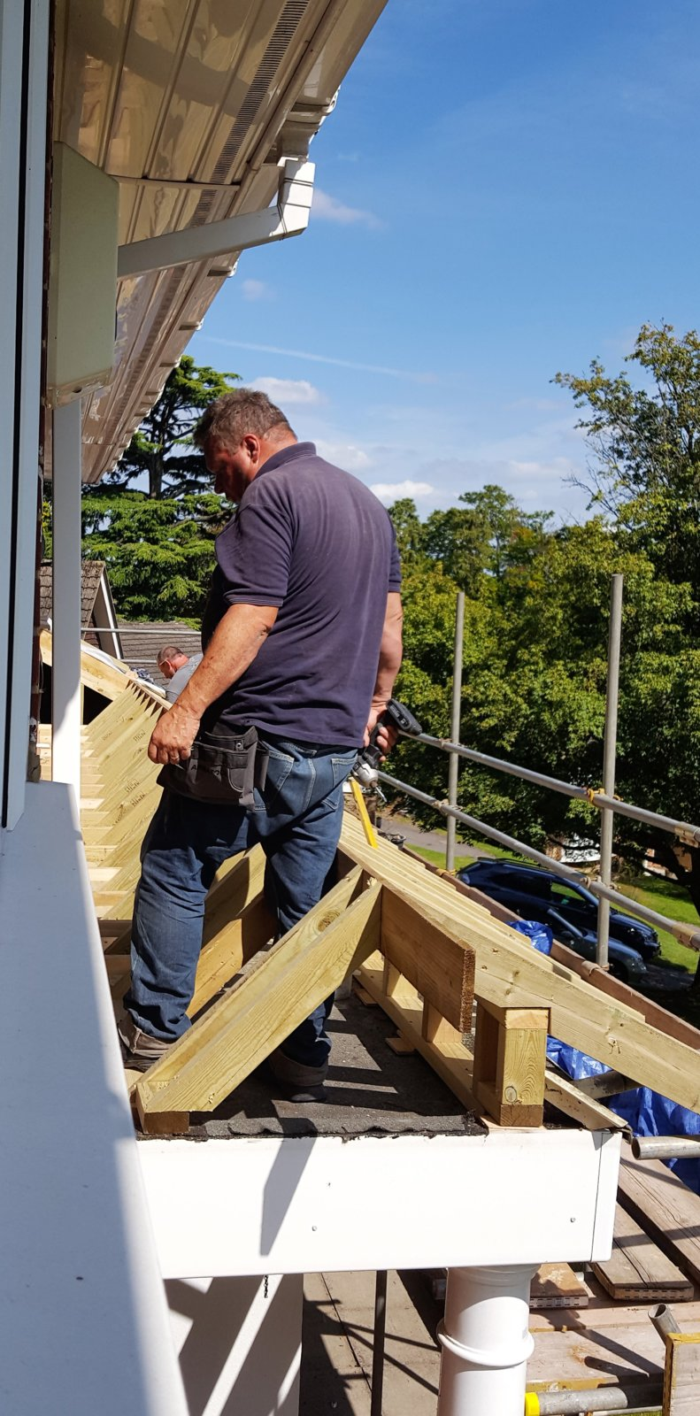 porch roof framework.jpg