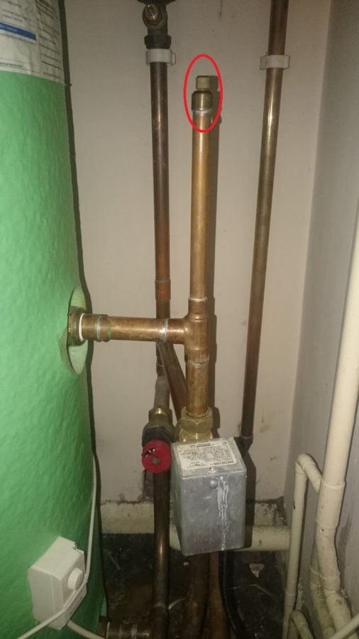 Hot Water Heater Problems >> Hot Water Tank - is this a bleed valve or a vent? | DIYnot Forums