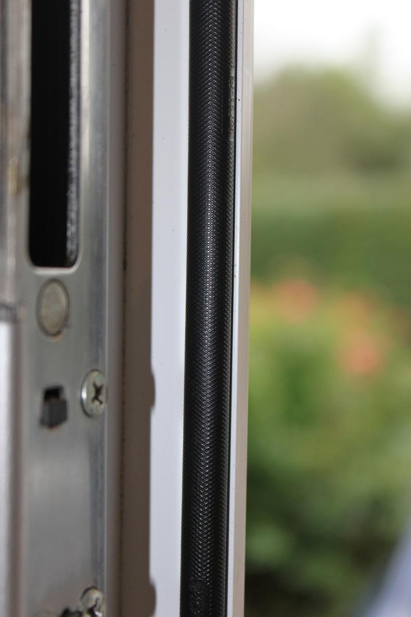 Replace Seal on UPVC door (Q-lon?) | DIYnot Forums