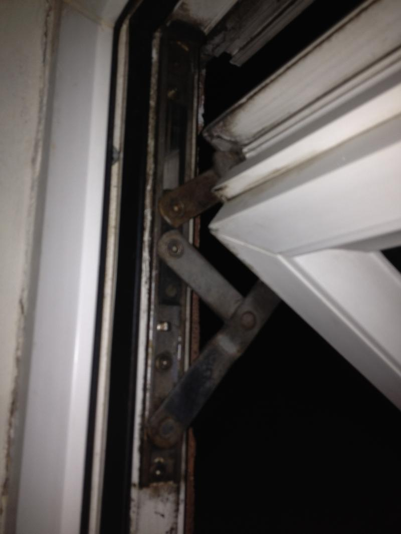 Double glazing top hung windows hinges diynot forums for Best triple glazing