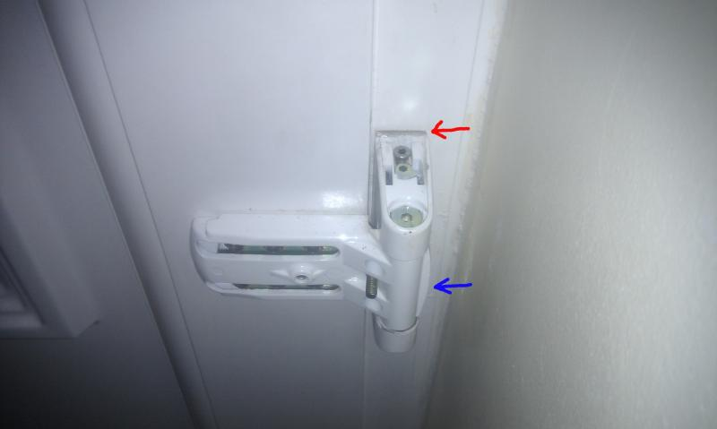 How do I remove this UPVC hinge ? | DIYnot Forums