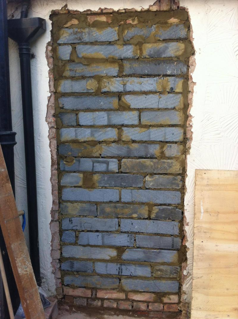 Asked a builder to brick up a doorway... this is the result. & Bricking up a doorway - is this right? | DIYnot Forums Pezcame.Com