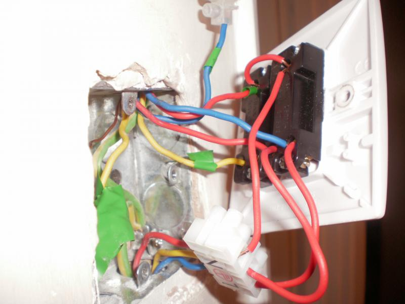 landing and bathroom light switch diynot forums extended the lower 3c a chock block for visual as the original wiring is tight as a ducks ass to the wall these are the 3c from downstairs switch