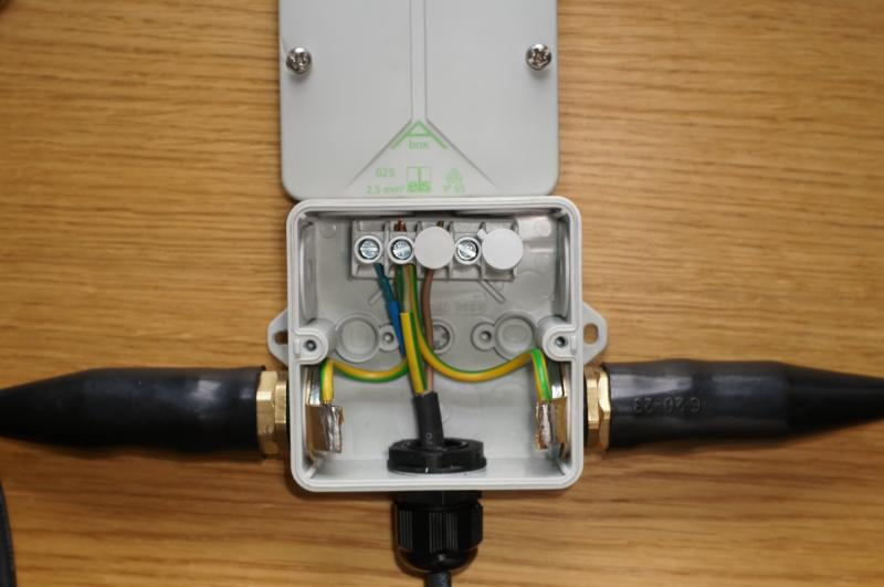 Brilliant Acceptable Method To Bond Earths In A Plastic Junction Box Diynot Wiring Database Gramgelartorg