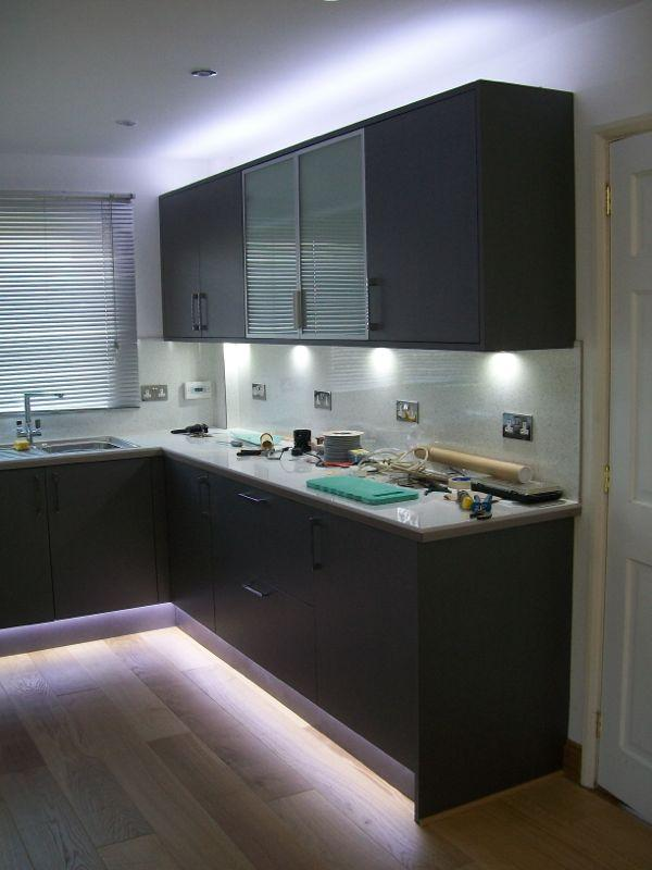 Led kitchen unit lights led kitchen unit lights diynot for Kitchen units without plinths