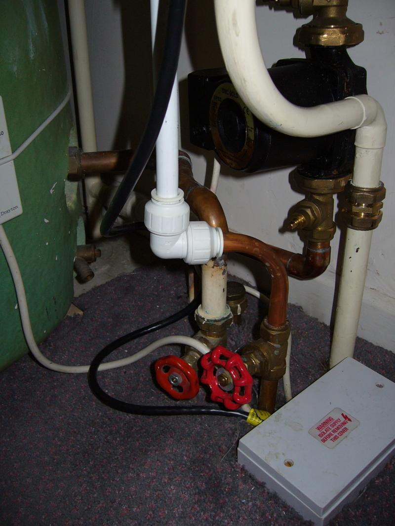 valves in airing cupboard   DIYnot Forums