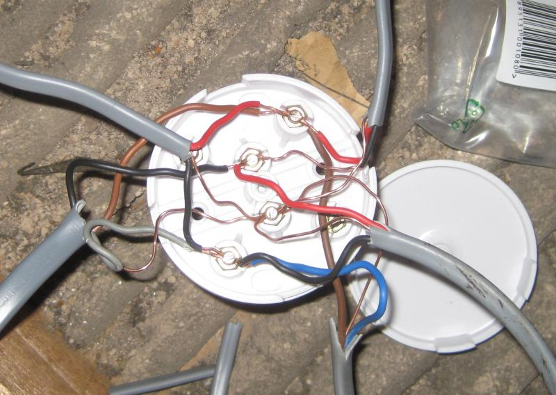 Extractor fan wiring help needed    DIYnot Forums