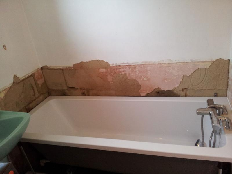 Plastering around bath - photo included | DIYnot Forums