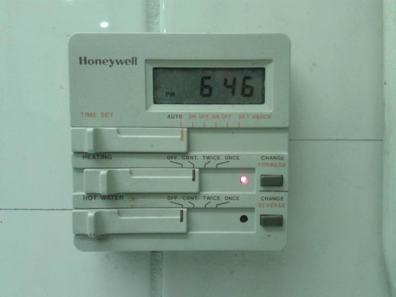 Advice Identifying Central Heating Programmer | DIYnot Forums