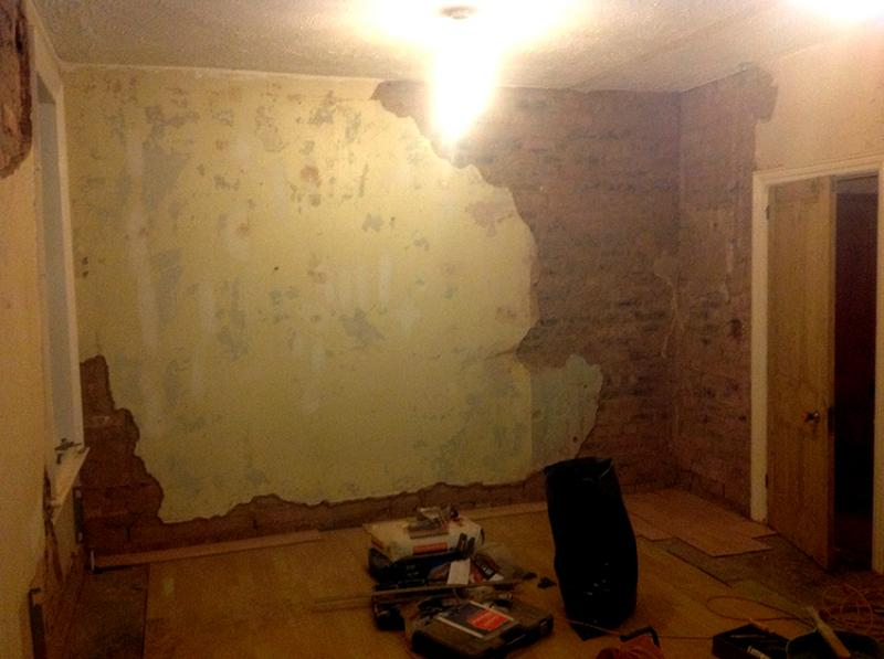 I have started a fairly major job this weekend by stripping the walls of any loose plaster before patching it up. As you can see from the pics there was a ... & PLASTERBOARDING A VICTORIAN HOUSE / OVER PLASTER | DIYnot Forums