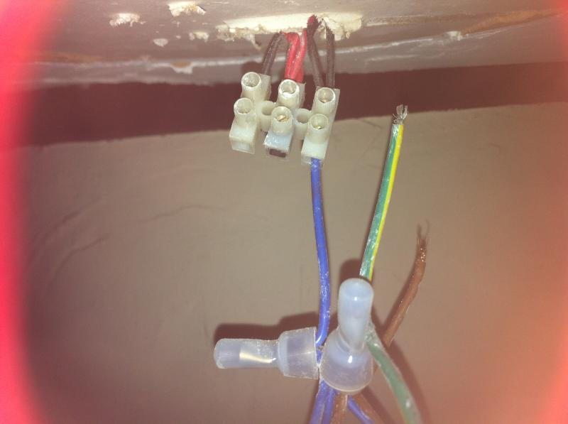 wiring a ceiling light old wiring black red into new wiring rh diynot com Old Cloth Wiring Old Cloth Wiring